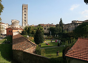 Private Tour to Pisa and Lucca from Florence
