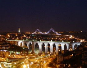 Lisbon by night tour (with Fado show)